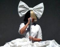 Sia представляет лирик видео на песню Bird Set Free