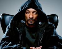 Snoop Dogg и Goldie Loc в видео к песне 220