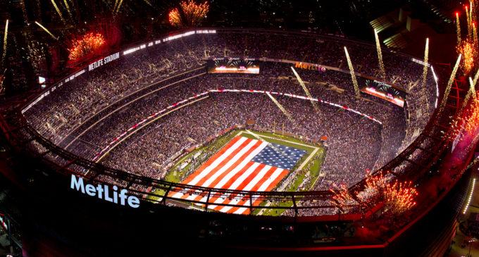 Peter Dinklage и Morgan Freeman снялись в рекламе для Super Bowl 2018