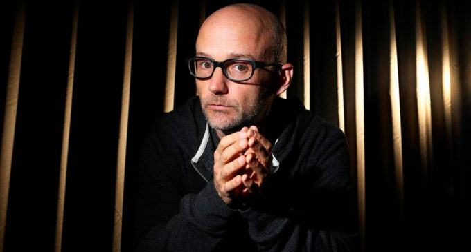 Moby выпустил альбом Everything Was Beautiful, and Nothing Hurt