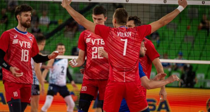 Россия побеждает Словению в Чемпионате Европы по волейболу