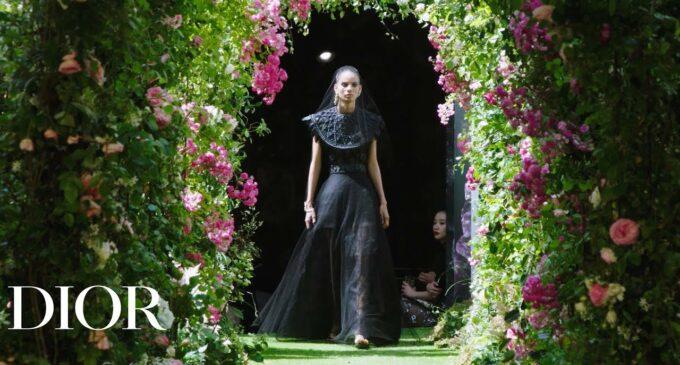 Какую сделать прическу: 5 самых популярных трендов парижской недели моды 2019