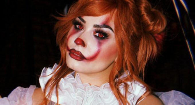 Деми Ловато всех удивила в костюме клоуна Pennywise на вечеринке Хэллоуин