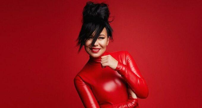 Ёлка выпустила дебютный альбом своего сайд-проекта «ЯАVЬ»
