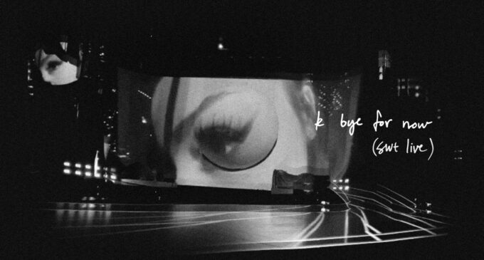 "Ариана Гранде выпустила новый концертный альбом  ""k bye for now"" (swt live)"