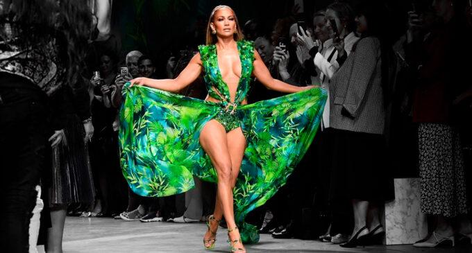 Мода и стиль. Дженнифер Лопес вновь стала музой Versace