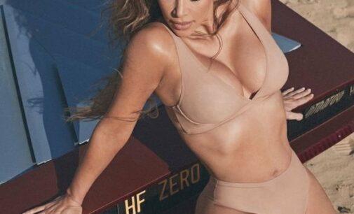 Новости шоубиз. Ким Кардашьян в нижнем белье позировала на ретро-автомобиле. ФОТО