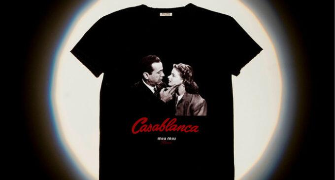 Мода и стиль. Места для поцелуев: Miu Miu выпустили коллекцию футболок с кадрами из культовых фильмов