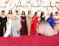 Планета шоубиз. 9 актрис голосов Эльзы со всего мира выступили на Оскаре. Среди них была и певица из России – Анна Бутурлина