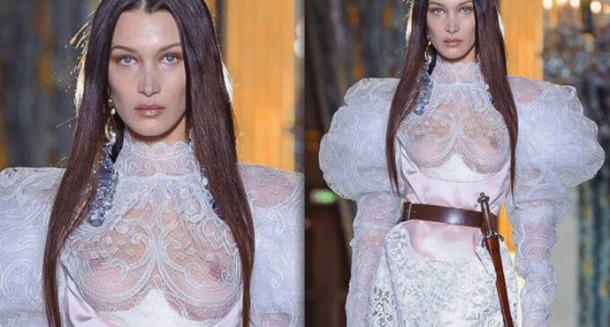 Горячие новости моды и стиля. Самая красивая женщина в мире вышла на подиум в прозрачном платье