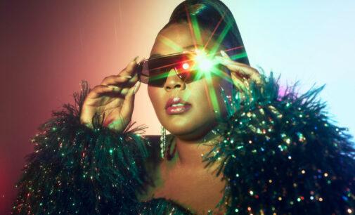 Мода и стиль. Lizzo выпустила коллекцию оптики с австралийским брендом Quay