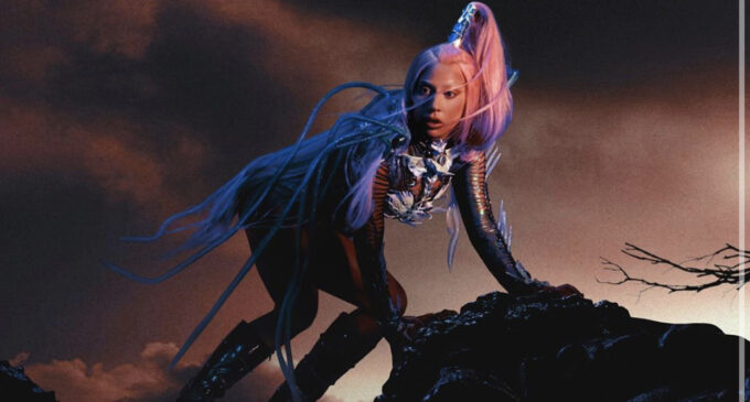 Последние музыкальные новости. Леди Гага назвала новую дату выхода альбома «Chromatica»