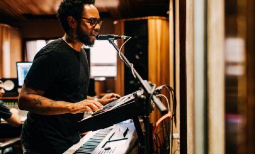 """Музыкальные новинки. Terrace Martin и Denzel Curry записали песню """"Pig Feet"""""""