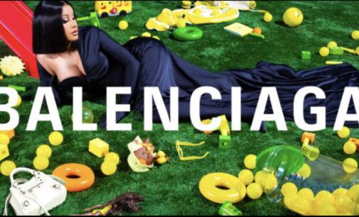 Мода и стиль. Balenciaga поместит рекламный плакат с Cardi B на Лувр