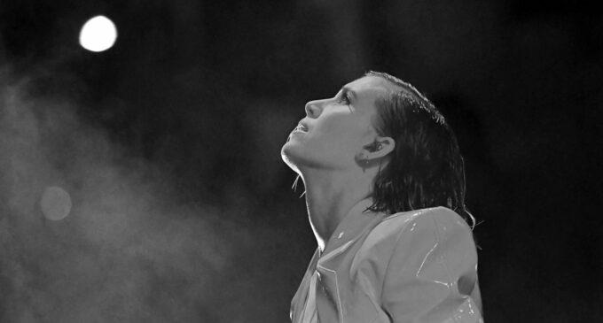 Новая музыка. Lykke Li представила кавер хита Глории Гейнор «I Will Survive»