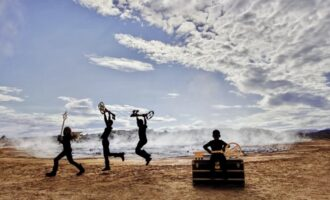 В мире моды. Louis Vuitton представил кампанию с исландскими пейзажами