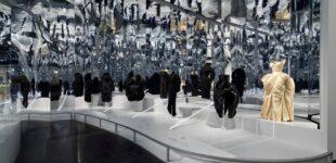 В мире моды. Метрополитен-музей показал снимки с выставки о моде и времени