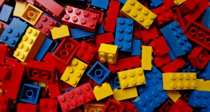Lego выпустила плейлист со звуками сборки конструктора