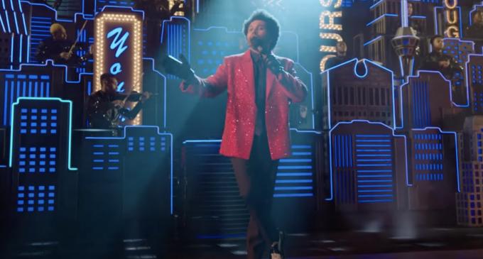 Музыкальные Новости. The Weeknd выступил на Супербоуле со своими главными хитами