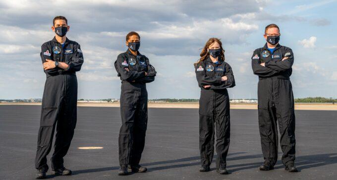 Про жизнь. SpaceX собрала команду для первой в истории гражданской миссии в космос