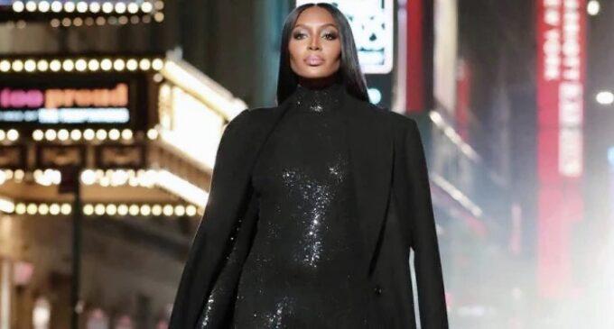 Модная индустрия. Michael Kors провел показ в центре Нью-Йорка в честь 40-летия бренда