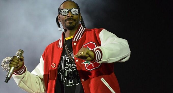 "Реп Америка. Snoop Dogg анонсировал альбом ""From Tha Streets 2 Tha Suites"""
