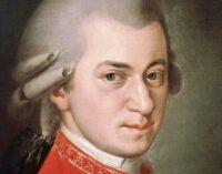 В мире музыки. Профессор из Великобритании дописал незаконченные произведения Моцарта