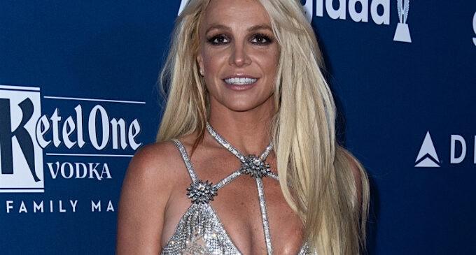 Новости шоубизнеса. Бритни Спирс попросит отстранить ее отца от опекунства