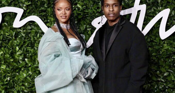 Новости шоубизнеса. A$AP Rocky появился на обложке нового номера GQ и подтвердил роман с Рианной