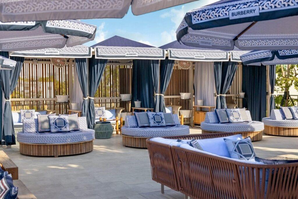 В отеле Фаррелла Уильямса в Майами-Бич появилась зона отдыха от Burberry