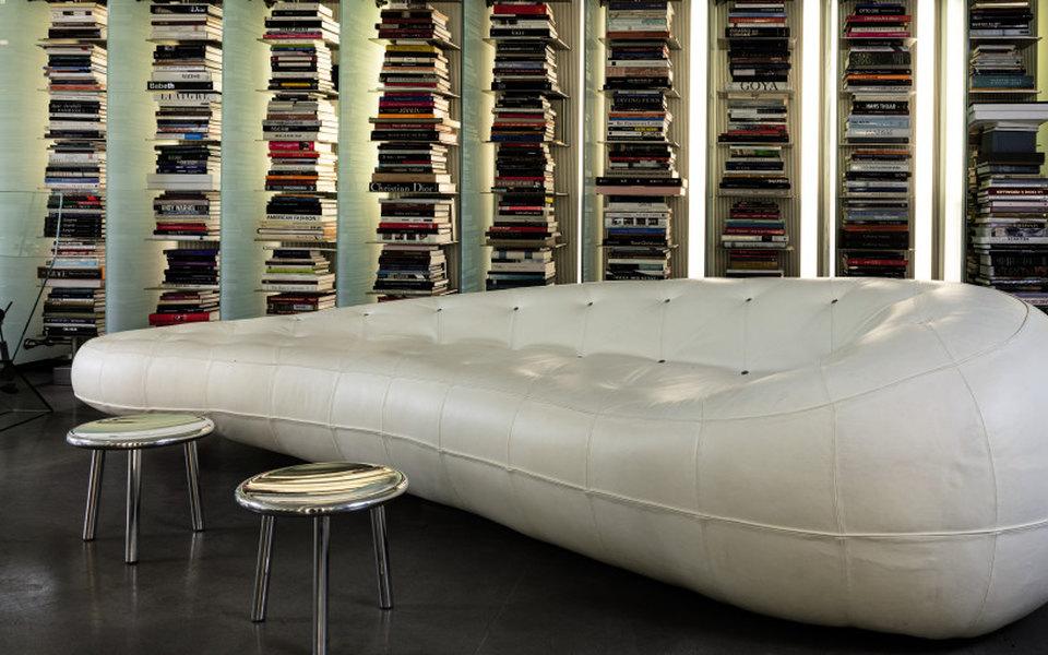Мебель и личные вещи Карла Лагерфельда продадут на аукционе